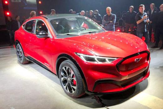 Новый электрический кроссовер Mustang Mach-E