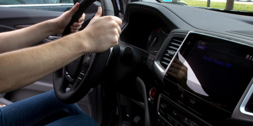 Правильная посадка водителя в автомобиль