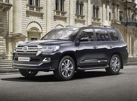 Вышел обновленный Toyota Land Cruiser 200