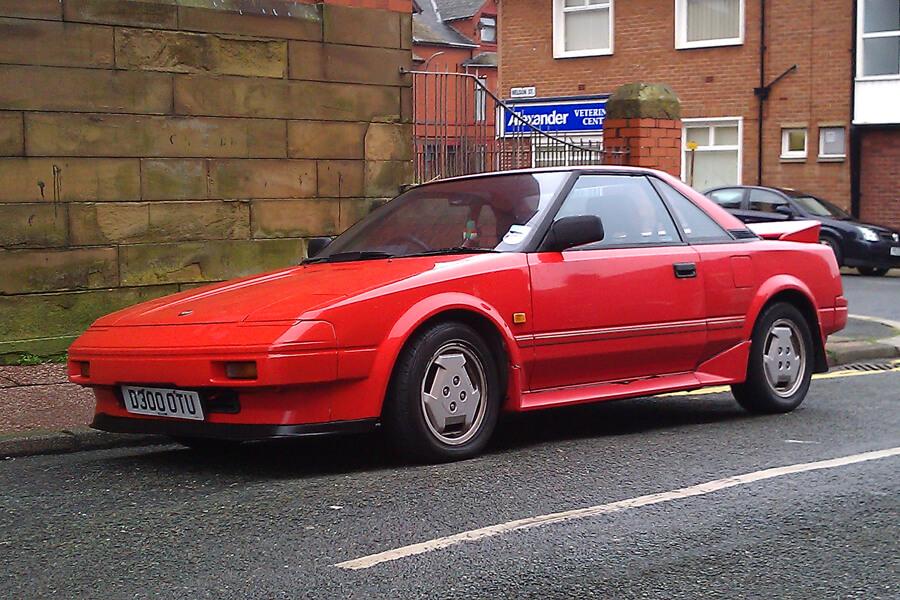 10 культовых автомобилей 80-х годов