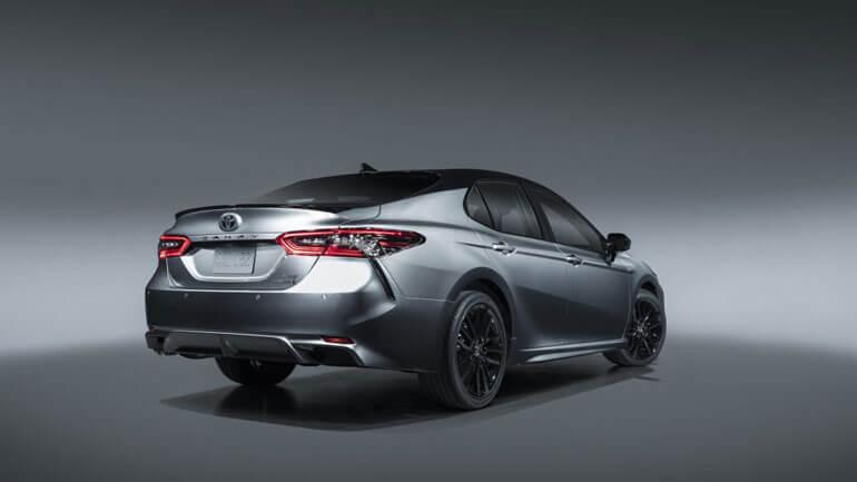 Toyota Camry 2021 XSE Hybrid выходит на рынок