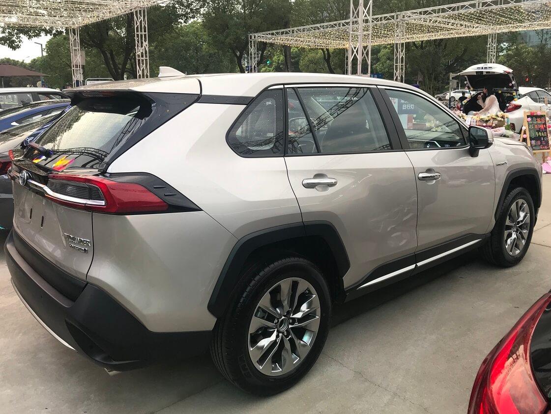 Новый кроссовер Toyota Wildlander